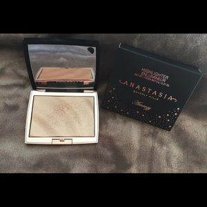 Anastasia Bevery Hills Amrezy Highlighter Limited